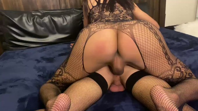 RT if being used is your dream. Watch me dominate this hot str8 boy. From cock worshiping, oral to creampie