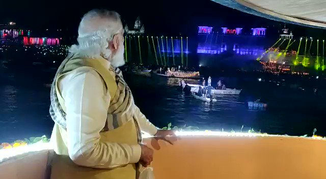 This light & should show stole our heart but if same expense could've been done in decorating with Diya's 🪔 this would matched our tradition. #DevDeepawaliWithPMModi #Varanasi   Why to showcase our tradition in western style. @CMOfficeUP @myogiadityanath @VHPDigital @RSSorg
