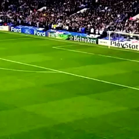 Happy birthday to Chelsea legend Michael Essien! 🇬🇭  #shirtshackfootball #football #soccer #futebol #futbol #calcio #chelsea #chelseafc #fcb #fcbarcelona #acmilan #lyon #championsleague #premierleague #seriea #ligue1 #worldcup