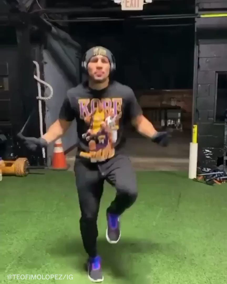 Teofimo's jump rope skills are next level 😲  (via @TeofimoLopez)