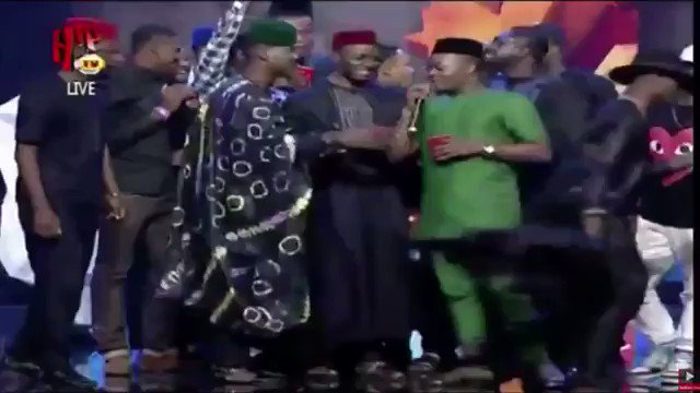 Olamide Vs Don Jazzy 2015 headies 😂I don't think they'll be a more entertaining headies award than this