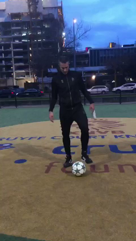 Thanks for nominating me @rafvdvaart! 13 it is ⚽️  I hereby challenge @rioferdy5 to beat my score 👊  To all of you: juggle the ball in Maradona's dropkick style, one touch, at least 5 metres high. Post your video using #DM10Challenge and let's honour one of the greats ❤️
