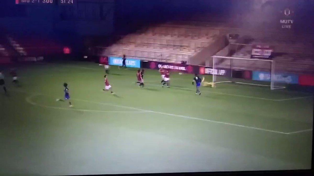 🏃 #MUAcademy U23's Match Alert 🚨 52' Southamptin pull one back! 2-1 #GGMU 🔴