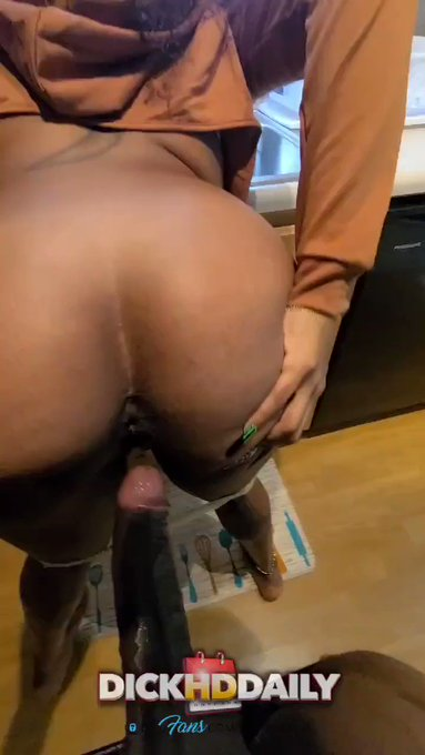 Spread that ass wide open 🤤😈 https://t.co/o92w6aV2pU