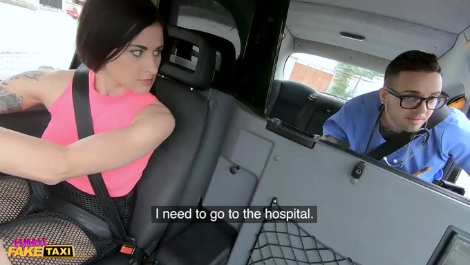 Female Fake Taxi driver thanks nurse for his service 👨⚕️🚕 https://t.co/kQZHNXkT1X