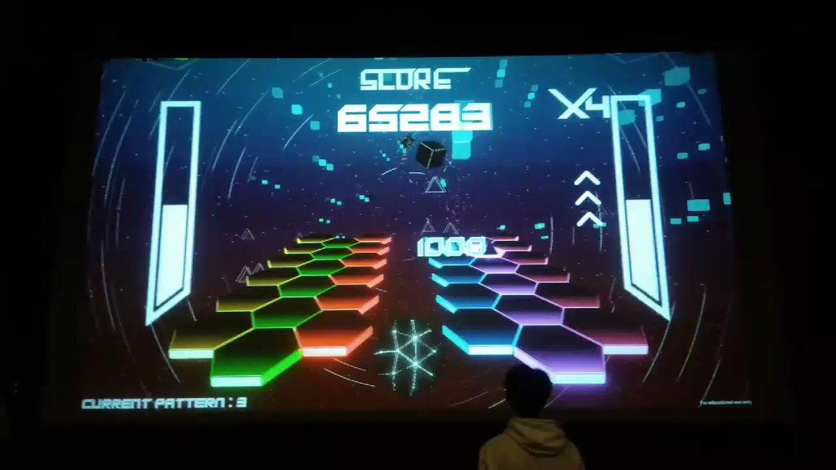 1# Keep the beat, an #altctrl #rhythm #game based on #player's #heartbeat and a custom #controller