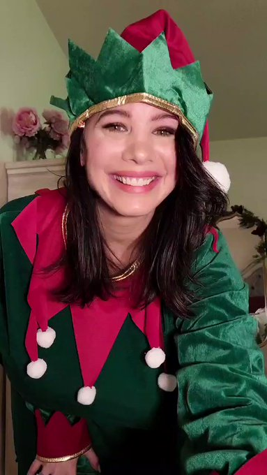 Elf name- Busty Brittany and I'm here to deliver a message from Santa Claus🎅🤣 https://t.co/oZzkCRoXM