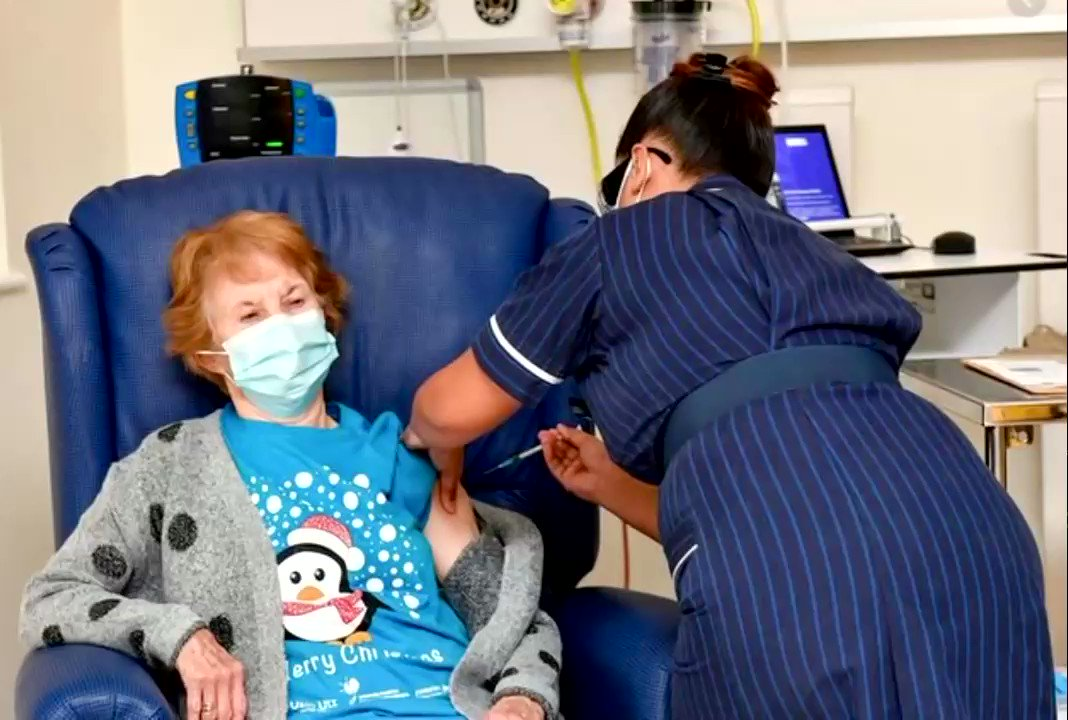 This NHS video of the first patient to receive the covid-19 vaccine is so wrong Why? The nurse at Coventry NHS Hospital seems not to practice the basic NHS Hospital Cross-Infection Prevention policy that requires at a minimum wearing of gloves & apron to administer any injections https://t.co/bXcF6rpmWG