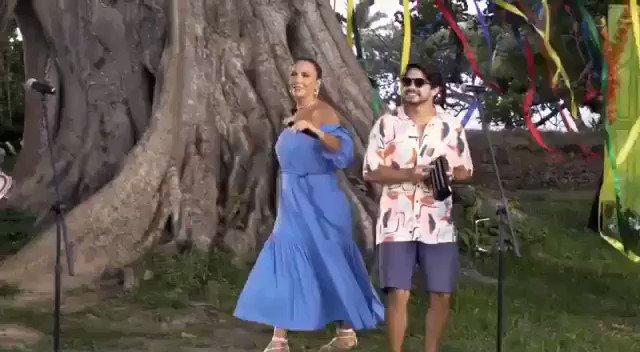 A cantora baiana @IveteSangalo participou do novo projeto do grupo @Atitude67, confira um trecho. O clipe completo da música #ChegaDiferente que eles gravaram está disponível  no canal do grupo no YouTube.  #Xucessagem #IveteSangalo  #Atitude67 #SSACARNAVAL