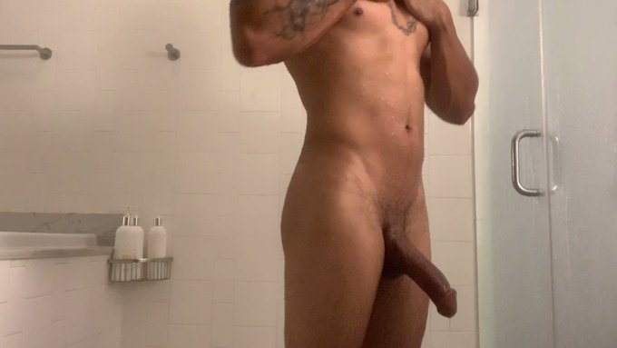 I'm nasty as fuck even when I'm washing up!  https://t.co/wNwXCNT5Hz https://t.co/lIaSBO3QaF