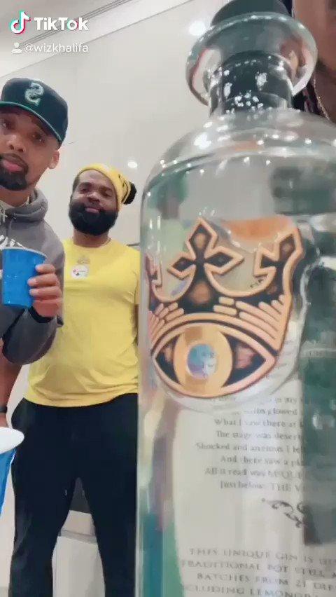 Cheers! @wizkhalifa @CHEVYWOODS @NateyBall