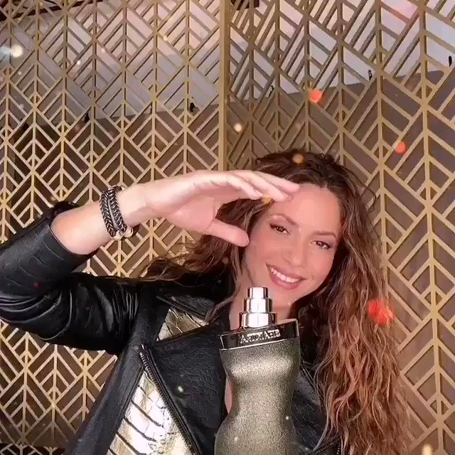 🔶 La cantante Colombiana @shakira lanza al mercado su nuevo perfume. ✨Dance Midnight✨  #farandula #critica #ShakiraPerfumes #DanceMidnight #ShakiraShakira #NuevaFragancia