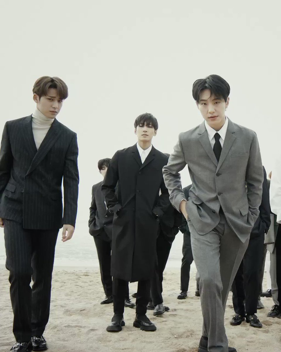 Replying to @9yusboo: an all visuals group