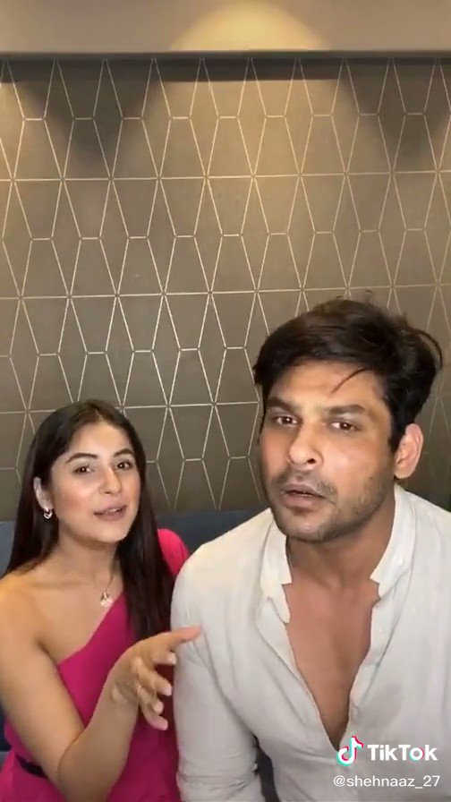 First song of #SidNaaz, #BhulaDunga close to 100M. @ishehnaaz_gill had been singing in first live with @sidharth_shukla. @OfficialSidNaaz  . . Click on this link to watch full song   #songs #music #musiclovers #viral #video #SongsOfTheSeason #Songoftheyear