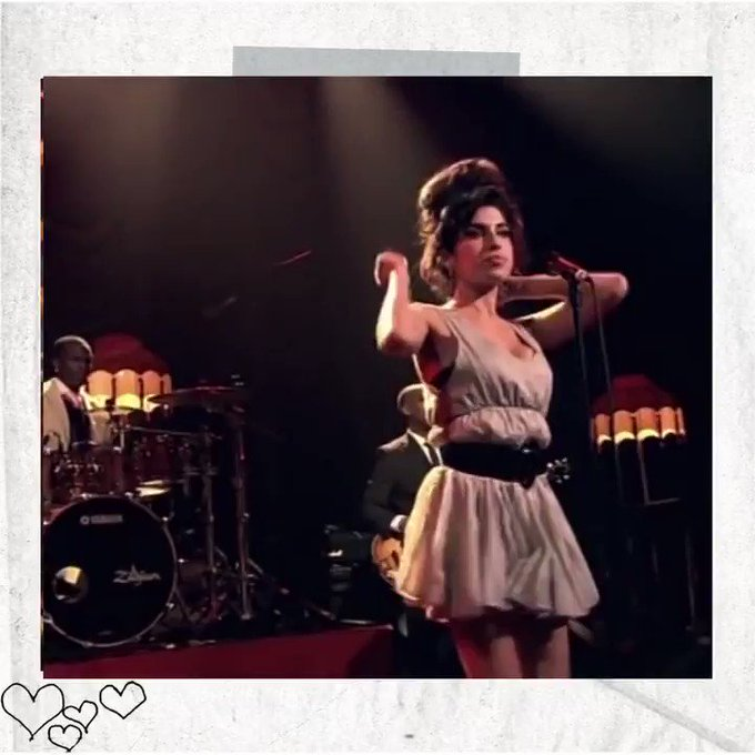 Amy performs 'You Know I'm No Good' in London, 2007. 🖤 https://t.co/gzeh4ny27A