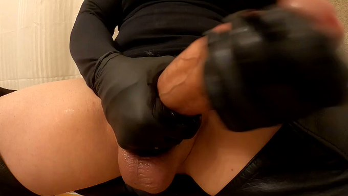 This should be your pov on my huge cock while you're on your knees with your mouth open.  https://t.co/0EVWfBmARh