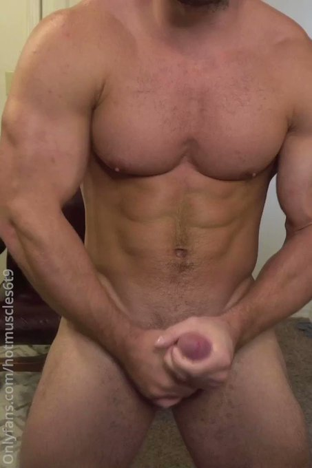 You like watching these big muscles flex as I jackoff? Join today https://t.co/fDboDEekMo  amazon wishlist https://t