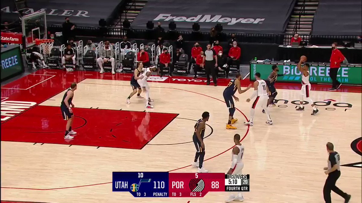 This is a great job from Melo feeling where Bogdanovic is before spinning off him. I think I heard him literally describing this move on @ThroughTheLens. This is a great example of it.
