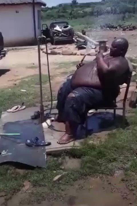 Dlamini indoda! https://t.co/osIzlYNyfi