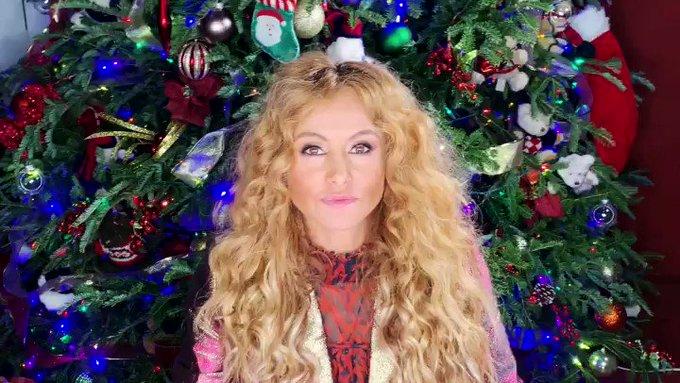 Que pasen una Feliz Navidad, los AMO! 💛🎄🎁🥰! Merry Christmas 🎅🏼 #Goldenkisses #navidad #merrychristmas