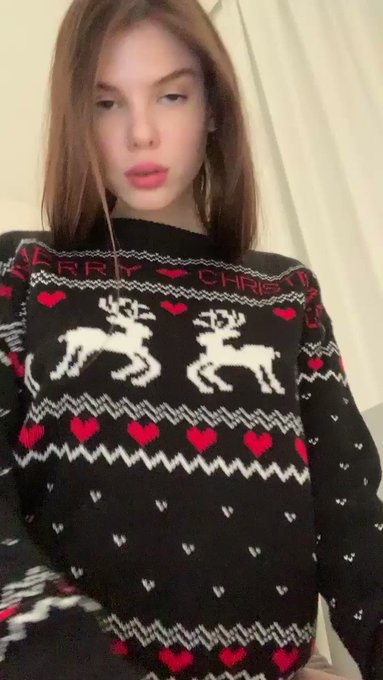 New Christmas video on my only fans     ani_butler follow me and I wish all the best https://t.co/Um