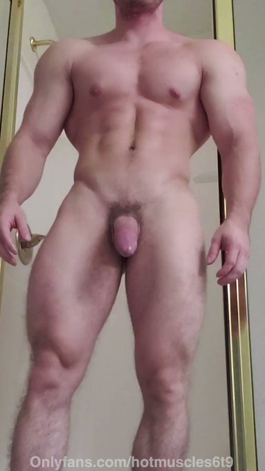 Join now and take a shower with me at https://t.co/fDboDEekMo  Sexy muscle stud shower videos https://t