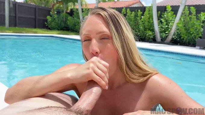 Sold my vid! Fucking My Big Booty Neighbor AJ https://t.co/pi6i1ENonY #MVSales #MVBoys https://t.co/