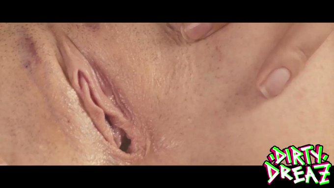 Do you like #alternative girls having XXX fun? Then #retweet this teasing clip. - Cum in our MEMBERZONE