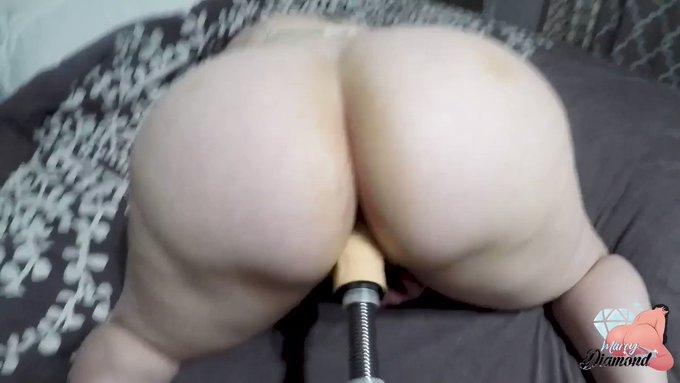 Sold my vid! Marcy Diamond takes Sex Machine Deep https://t.co/QYCtyTCofL #MVSales https://t.co/MoNV