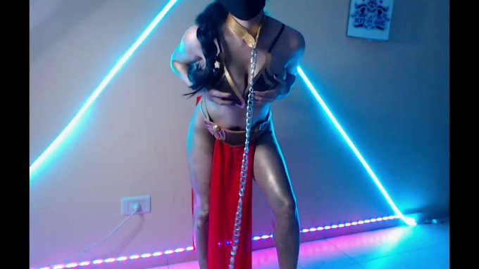 new video of Princess Leia Slave of Jabba, come and see it complete in my ManyVids!⛓️👄💋💋 https://t.c