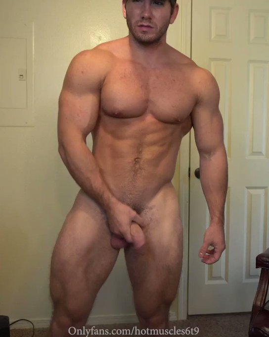 Your muscle daddy is always horny 😉 come #jackoff/#masturbate with me 24/7 @ https://t.co/fDboDEekMo  Enjoy