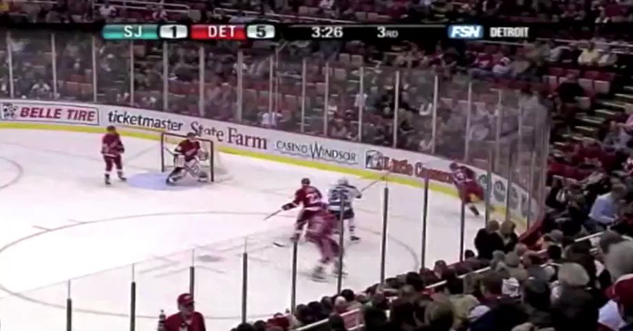 Replying to @spittinchiclets: Pavel Datsyuk was a real life video game player