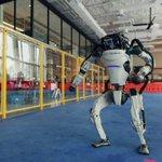 ここまで進化していた!?ボストン・ダイナミクス社のロボットが軽快なダンスを披露!