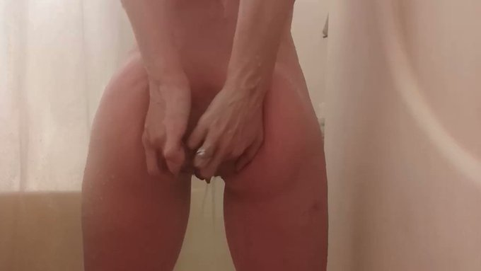 Pull on me and stretch me out 🖤😻🌹🕳 #loose #anal #prolapse #nsfw #gape #analgape #analprolapse #LooseWomen #sizeslut