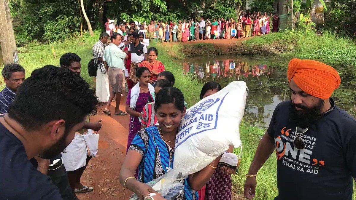 Replying to @khalsaaid_india: ~KERALA flood relief 2018~  #VolunteersAreHeroes  #Humanitarian  #khalsaaid #khalsaaidindia