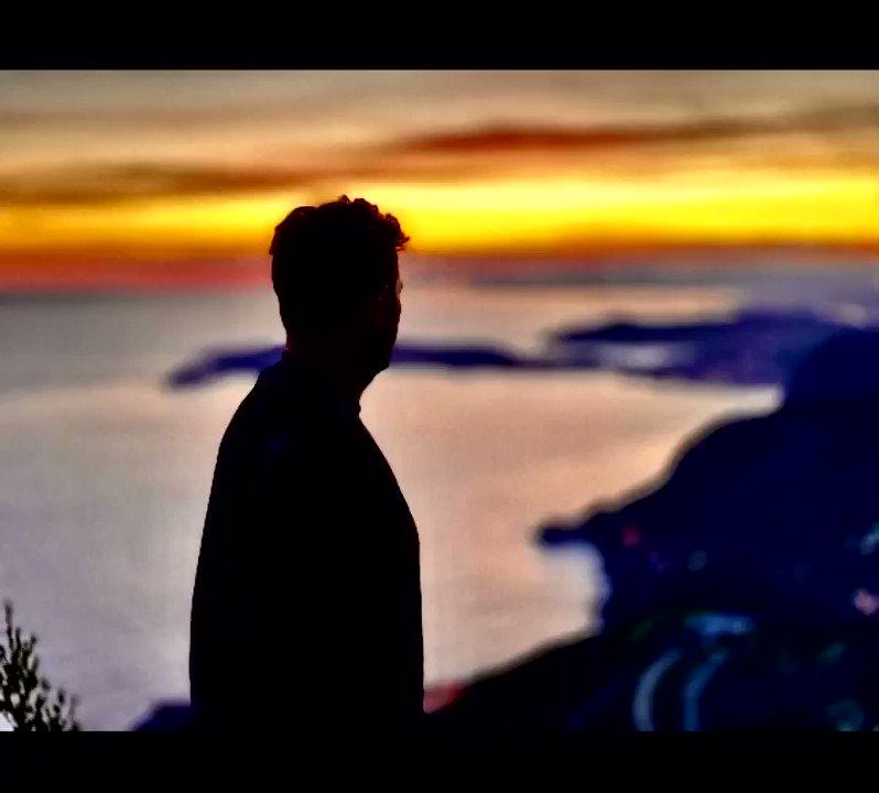 When life gets blurry adjust your focus ♟🌄🔭✨🙏🏻🧡🧩 #sunset #life #focus #enjoy #love https://t.co/TyG38Ek6nV