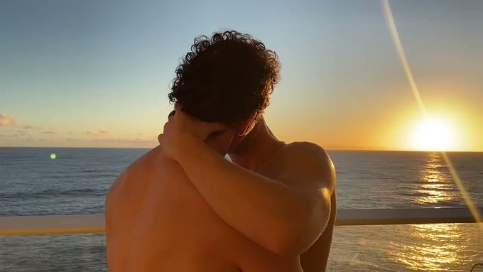 Anybody else miss cruises?   Check out all my cruise vids from the #atlantisevents #gaycruise  ⬇️ https://t