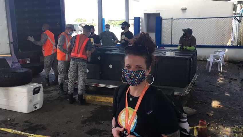 Happy New Year from Colombia, where the WCK team is still working hard to deliver meals to families that lost everything in Hurricane Iota! 🎥 Sandie reports in as we load up the Air Force DC-3 with hot meals that will fly 20 mins from San Andres to Providencia. #ChefsForColombia