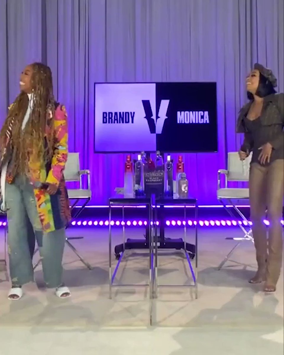 """Brandy and Monica provided some much-needed fun that night and performed """"The Boy Is Mine"""" together for the first time since 1998."""
