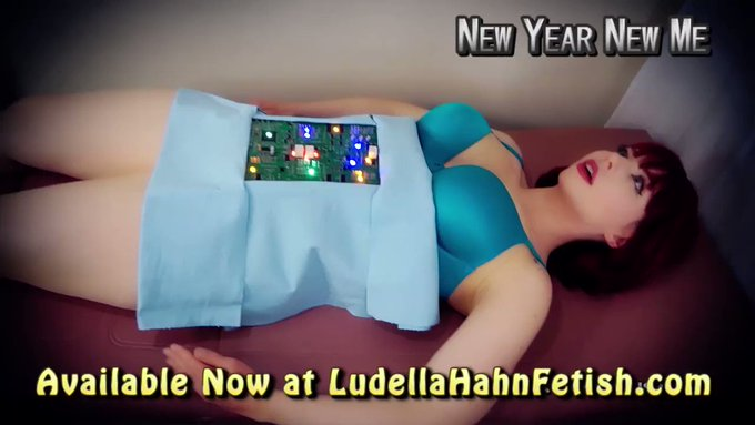 Brand NEW! 📽️   Happy New Year, guys! I thought I'd upgrade myself this year, so here comes Ludella 2