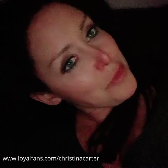 I just posted a video on #realloyalfans. Take a look here: https://t.co/E3MkrxF1e9 https://t.co/kPJc