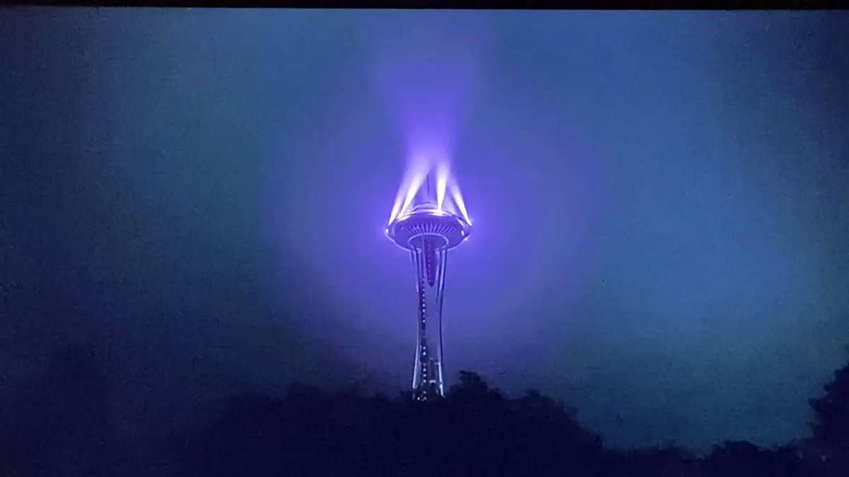 Replying to @Sphynxian: well it's good to know 2020 ended with seattle summoning an eldritch spirit through the space needle