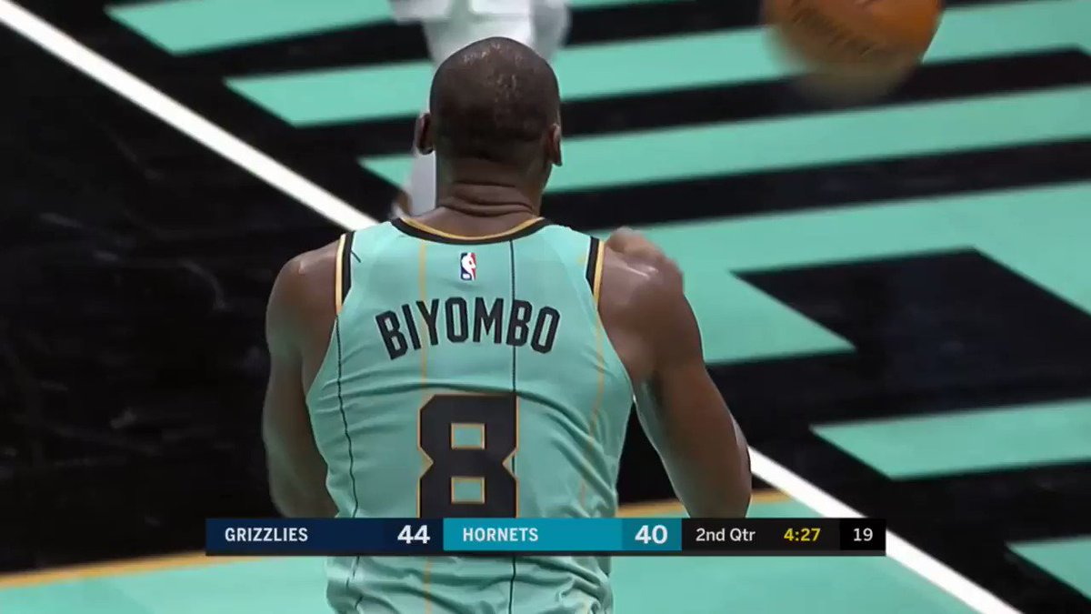 The announcers reaction to Biyombo taking this three. 😂💀 https://t.co/fTkcVQuJRt