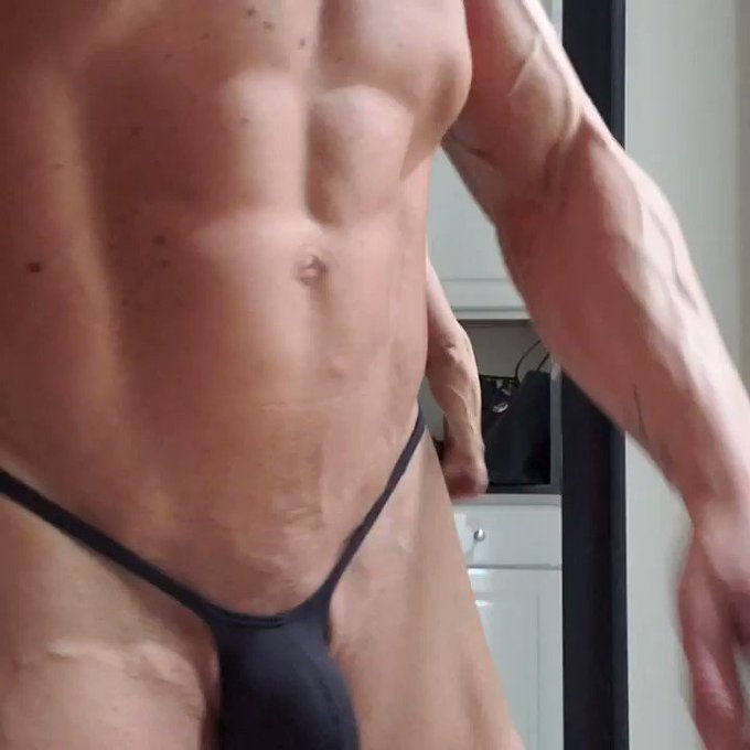 New thong style with V back from @iSwimFashion.  This one is u3009-V1 (rather than Y1)  Back dips down