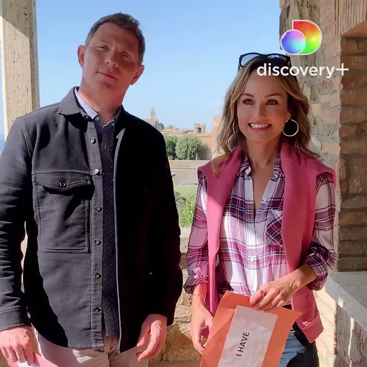 Play an Italian-themed round of Never Have I Ever with @BFlay + @GDeLaurentiis! 🍝🍕🍷 #BobbyAndGiadaInItaly will stream exclusively on @discoveryplus starting TOMORROW! 🎉 Learn about #discoveryplus and get updates: https://t.co/hXrkpNi7hI. https://t.co/7kOxXhOrBr