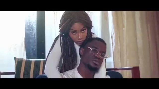 Quand tu écoutes cette chanson, elle te fait penser à quel(s) film(s) Kamer et/ou international ?  Moi : Irrationnel love de @ChelsySuzy et #OngBak 🤔  Réécoute encore la chanson et tu me dis😉   #Duperal #CestComplique #Music #VenusMusic #Team237 #Cameroun