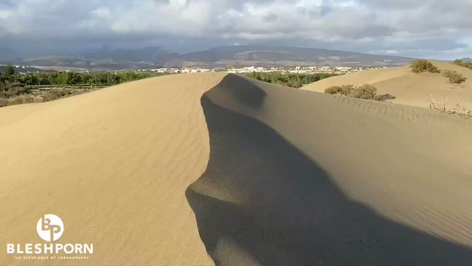 🍒🍆 in the 🌤 on the top of a dune #jerkoff #cumshot #public #outdoor  https://t.co/FRi551RvEt 🤪 • VISIT