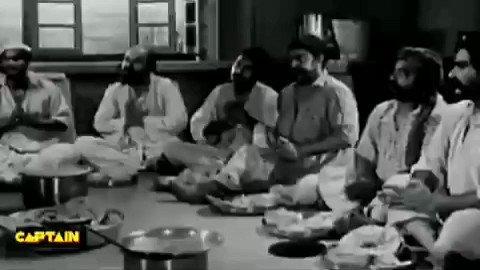 हिन्दी सिनेमा के प्रसिद्ध गीतकार #भरत_व्यास का जन्म आज के दिन 06 जनवरी1918 को #बीकानेर में हुआ।  उनके लिखे प्रसिद्ध गीत जो आज भी हमारे कानों में गूंजते हैं👇  ज्योत से ज्योत जगाते चलो प्रेम की  ..  ऐ मालिक तेरे बंदे हम, ऐसे हो ..  आ लौट के आजा मेरे मीत..  ये कौन चित्रकार है ये ..