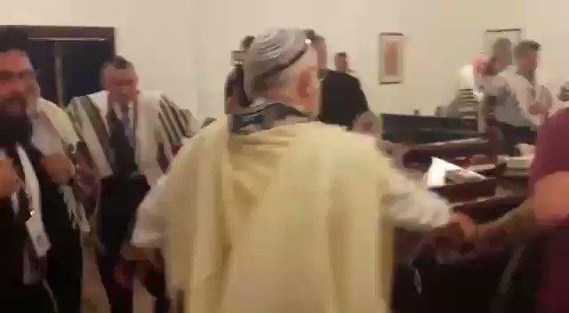 عندما يرقص الإسرائيليون في أرض العرب، فهذا ما يُسمى بالرقص على جراح القضية الفلسطينية.