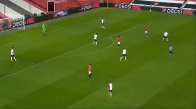 Nice build from PSG vs Man United  in champions league game * 3_2_4_1 vs 4_2_3_1 press * positional play  * Skill & Rotation breaking press https://t.co/2b6njZ5tkY